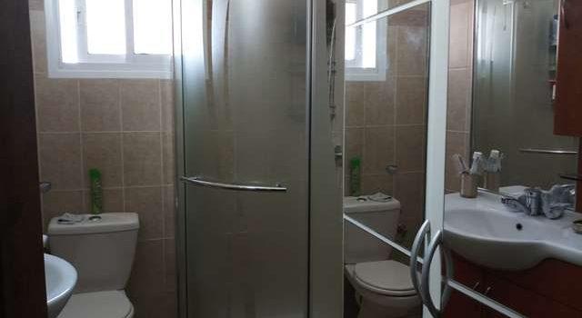 דירה למכירה ברחוב בר אילן - חדר אמבטיה